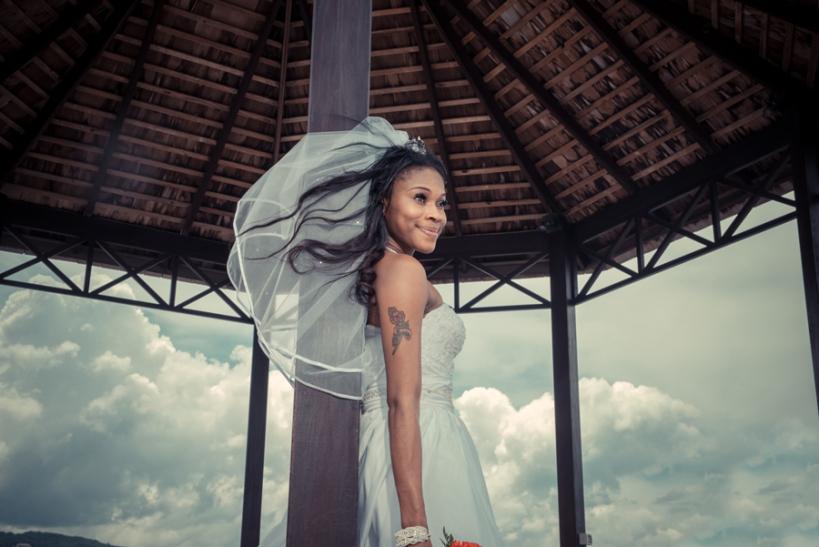 professional wedding photographer to photograph their wedding