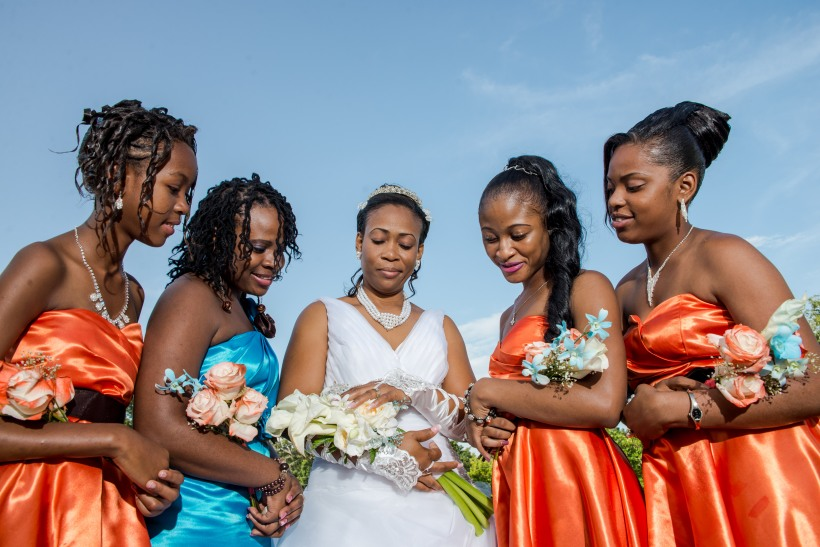 Suggests for hiring a professional Jamaican wedding photographer