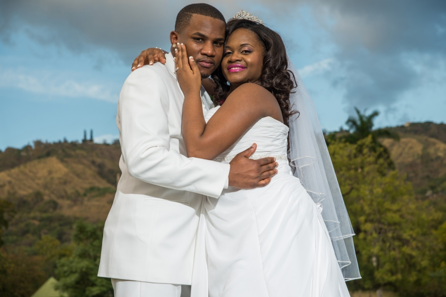 A Jamaican wedding photographer can offer you a range of services. You can hire him for a day, a couple of hours or to capture videos and photos throughout the different wedding ceremonies. You can even have him click photos for the bridal portraits, rehearsal dinner photographs, newly wed photos and much more. So, you need to decide on the kind of wedding photography service you would want.